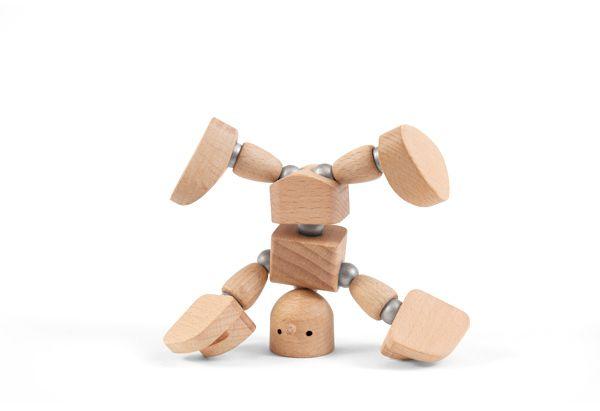 Muñeco de madera con imanes cabeza abajo