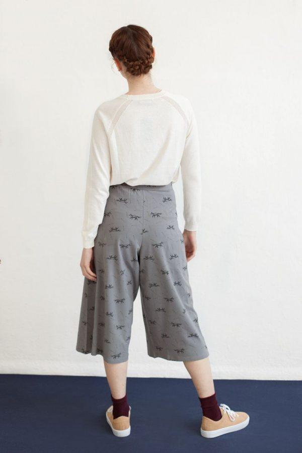 Pantalón midi color gris