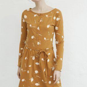 Vestido mostaza con botones