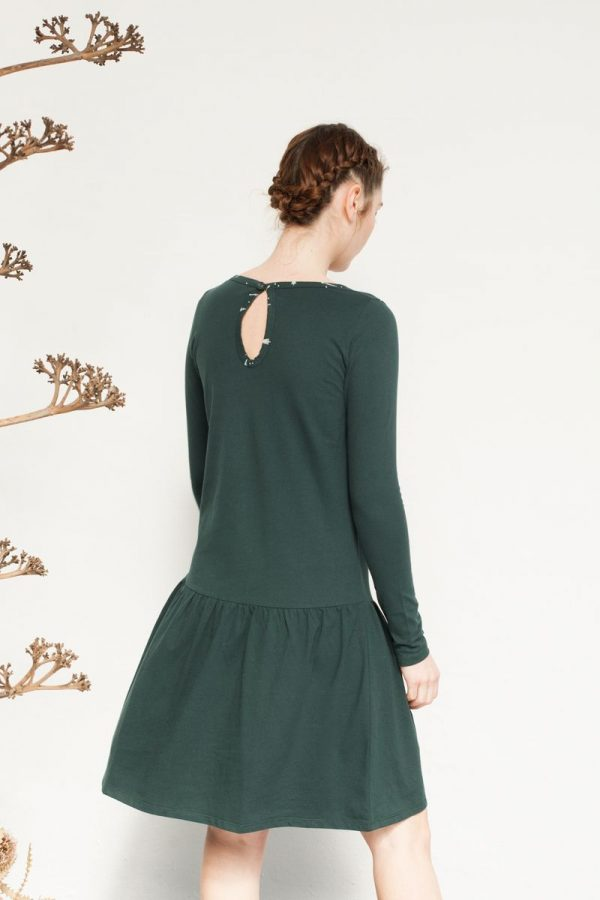 Vestido verde de corte charlestón