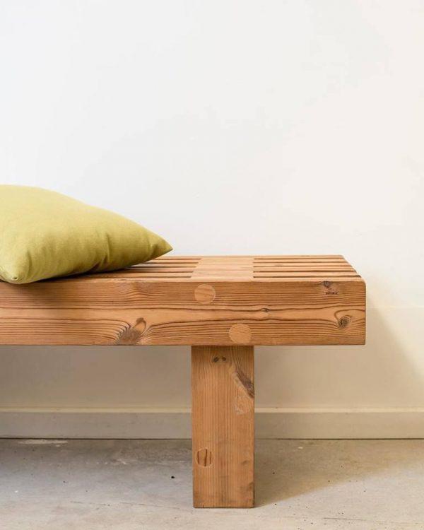 banco de madera sostenible