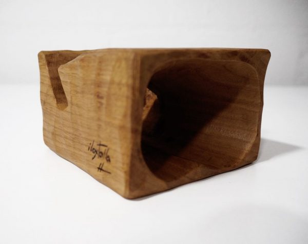Altavoz para móvil de madera