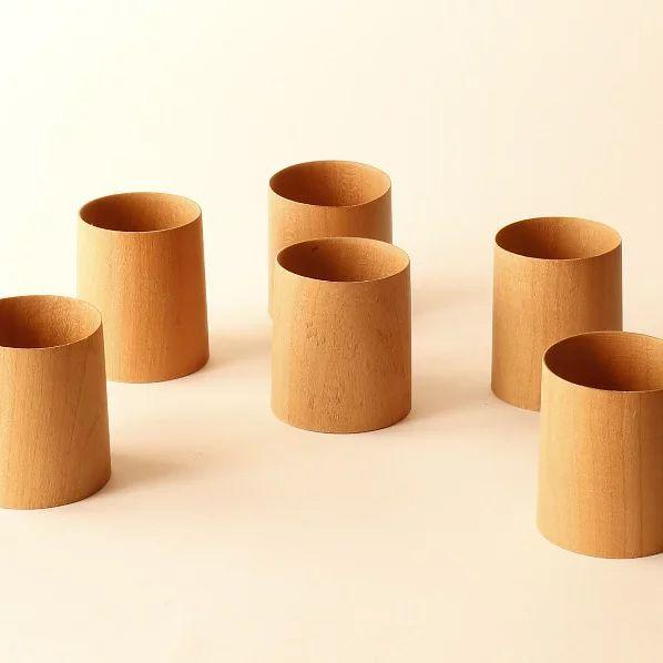 Vasos chupito de madera de cerezo.