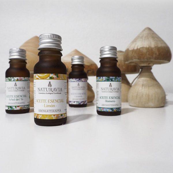 Aceites esenciales ecológicos con difusores de madera