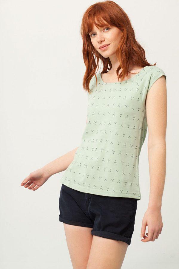 Camiseta cuello barco verde estampado abstracto