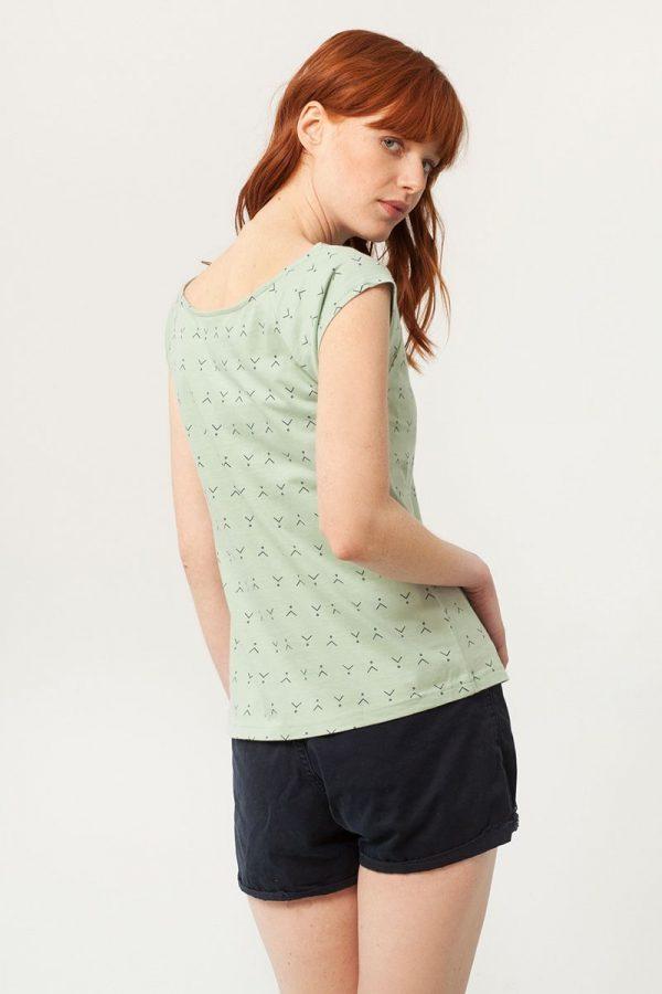 Camiseta cuello barco verde estampado abstracto espalda