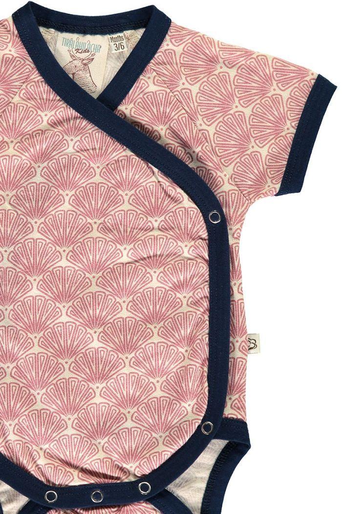 Detalle body kimono salmón estampado abanicos