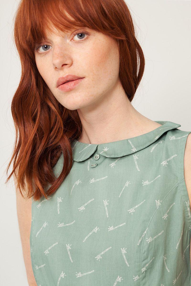 Vestido cuello peter pan verde detalle pecho