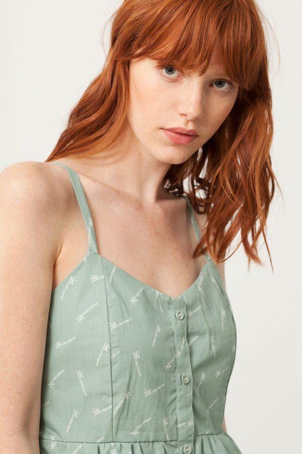 Escote de vestido tirantes verde