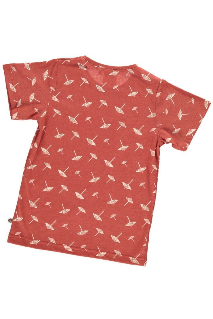 Espalda camiseta infantil terracota con estampado de sombrillas