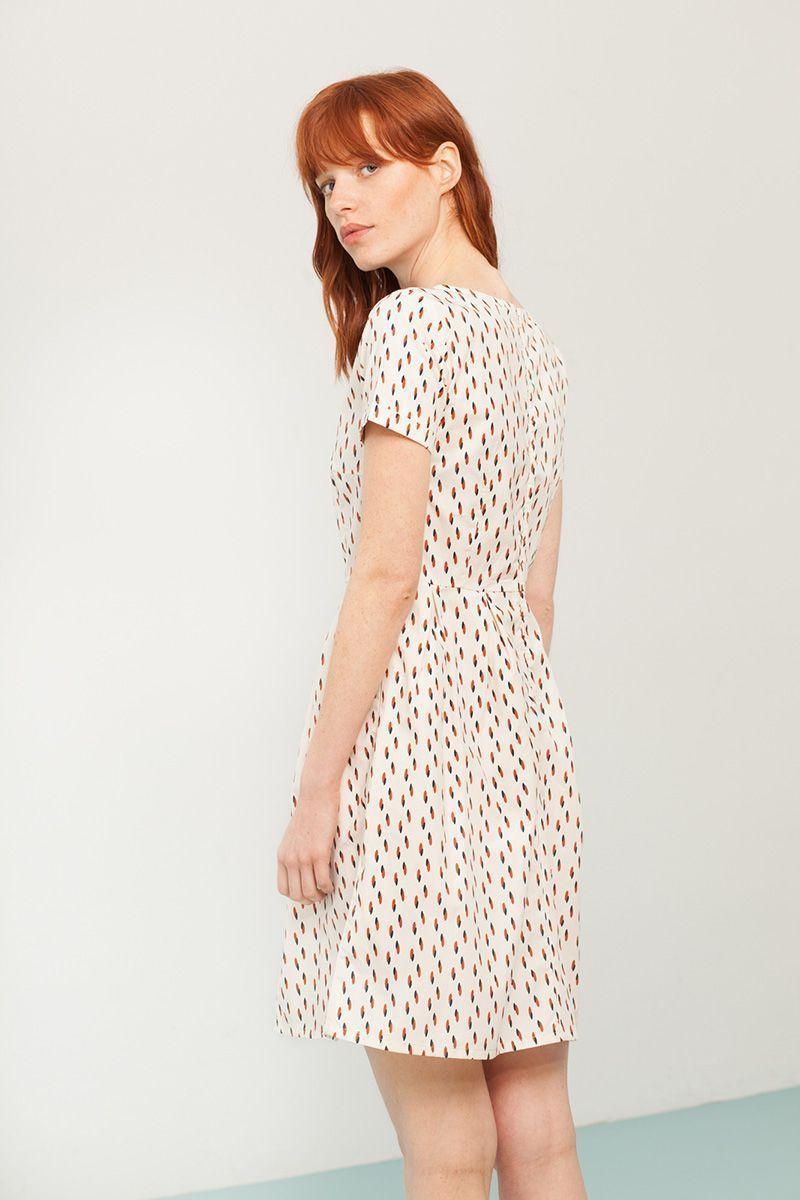 Espalda de vestido de estampado abstracto