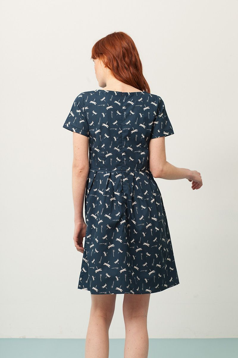 Espalda de vestido manga corta azul