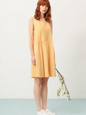 Vestido oversize color miel estampado abanicos
