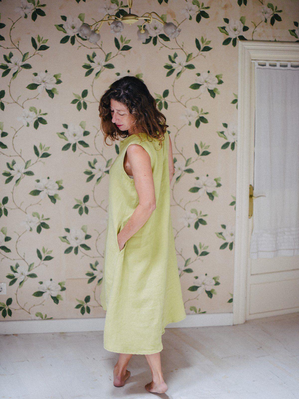 Vestido de lino largo con bolsillos sin mangas color aguacate