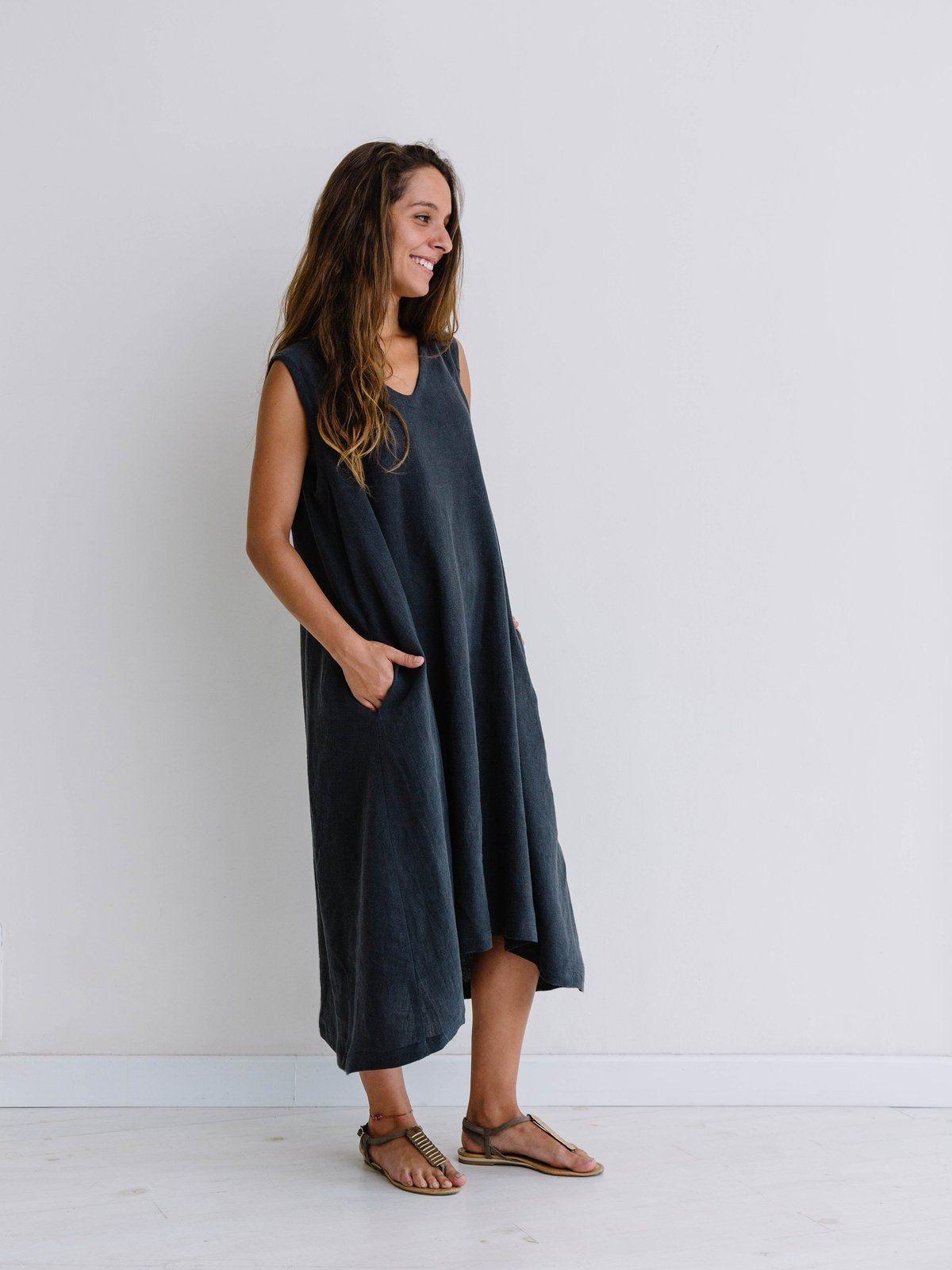 Vestido de lino largo sin mangas con bolsillos color carbón