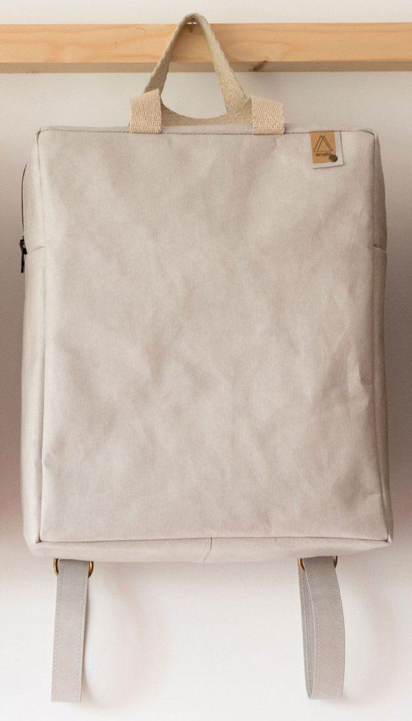 Mochila de papel lavable con cremallera gris