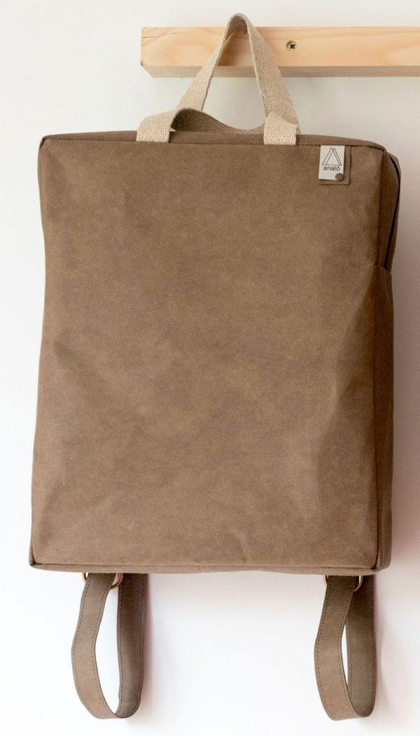Mochila de papel lavable con cremallera marrón