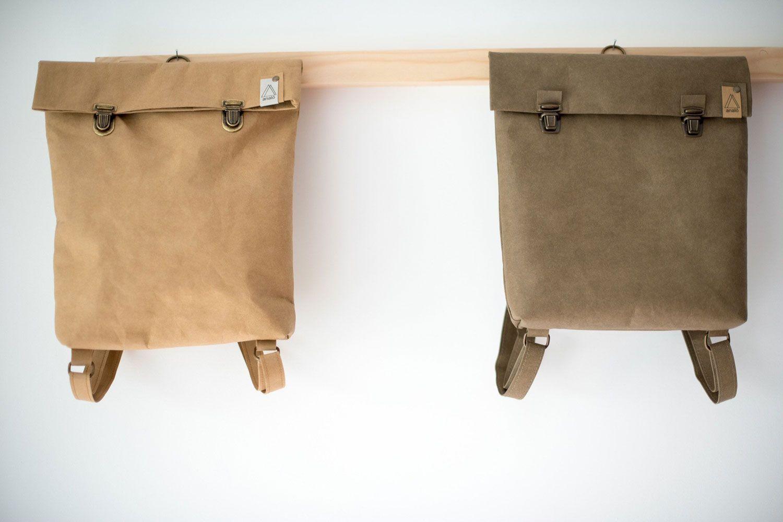 Mochila papel backpack pequeña arena y oliva
