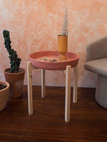 Mesa auxiliar salón de madera reciclada