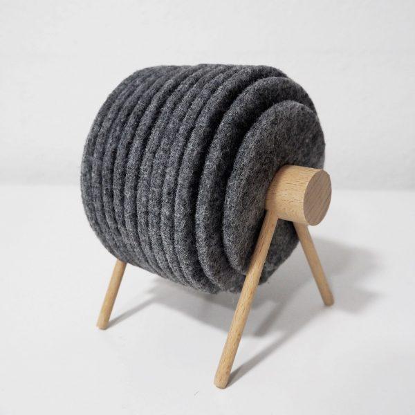 Kit de posavasos de madera y lana de oveja