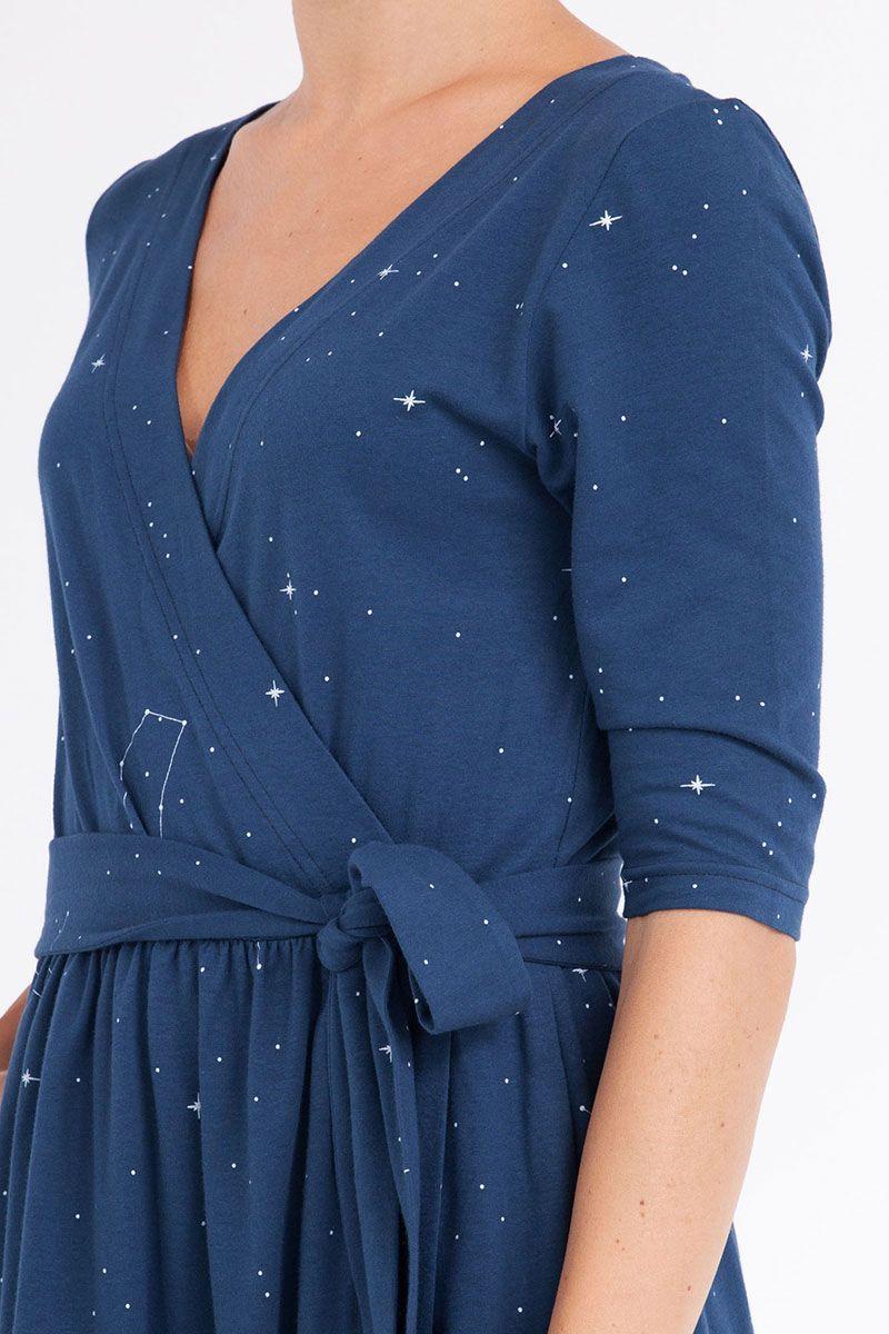Detalle lazo vestido constelaciones algodón orgánico