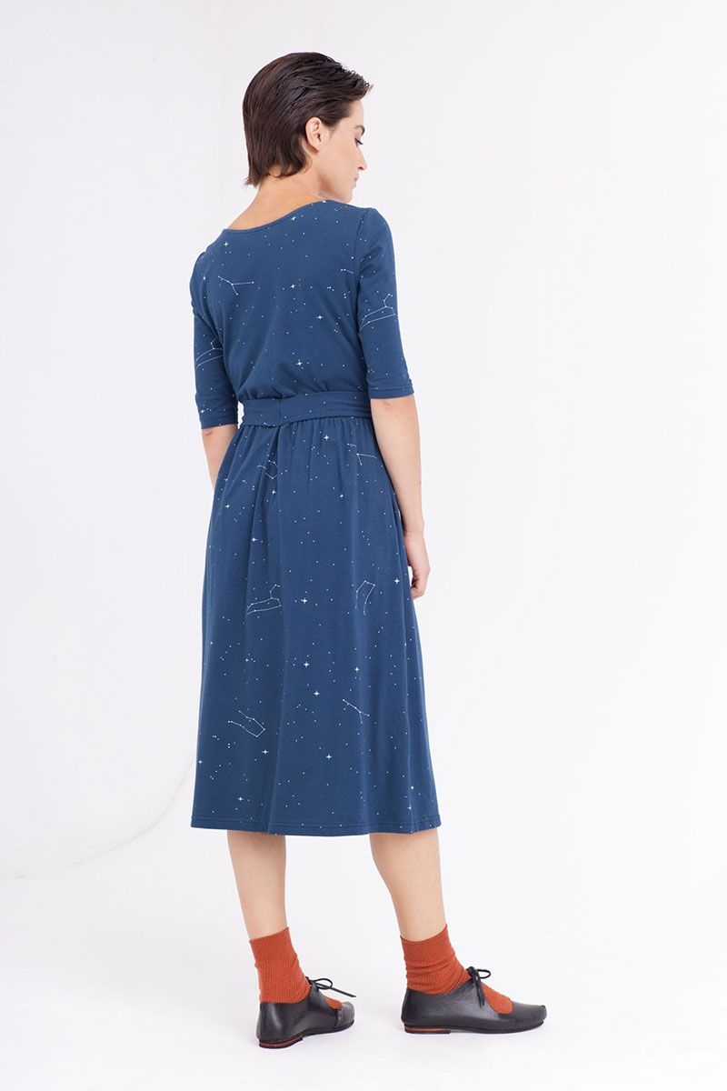 Espalda vestido cruzado azul marino