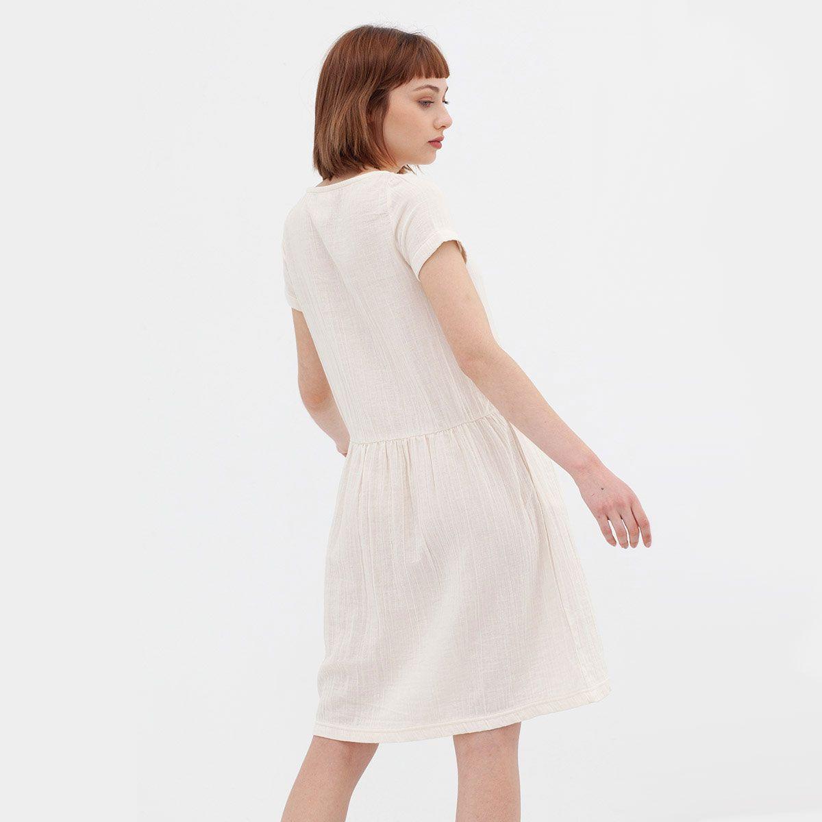 Espalda vestido blanco manga corta de algodón orgánico