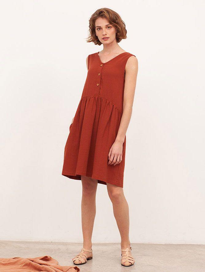 Vista frontal vestido reversible teja algodón orgánico