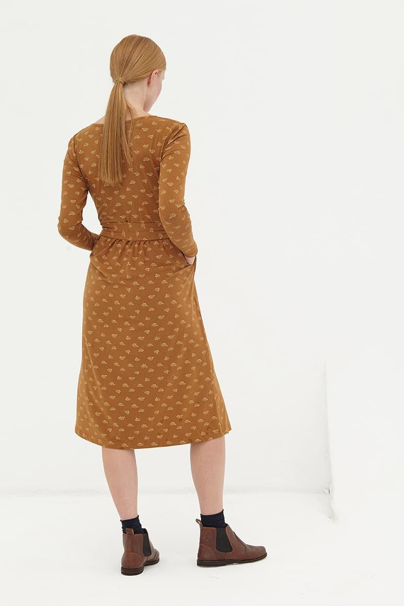 Espalda vestido algodón orgánico cruzado marrón