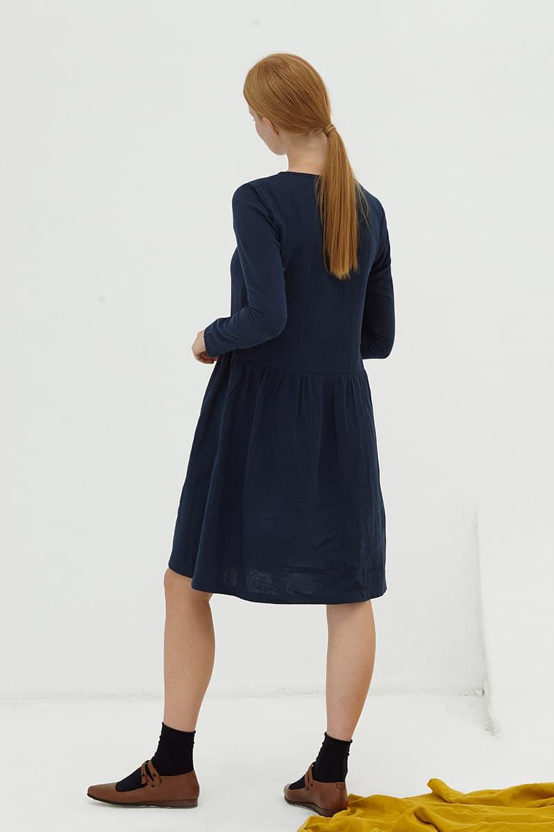 Espalda vestido oversize manga larga azul marino algodón orgánico