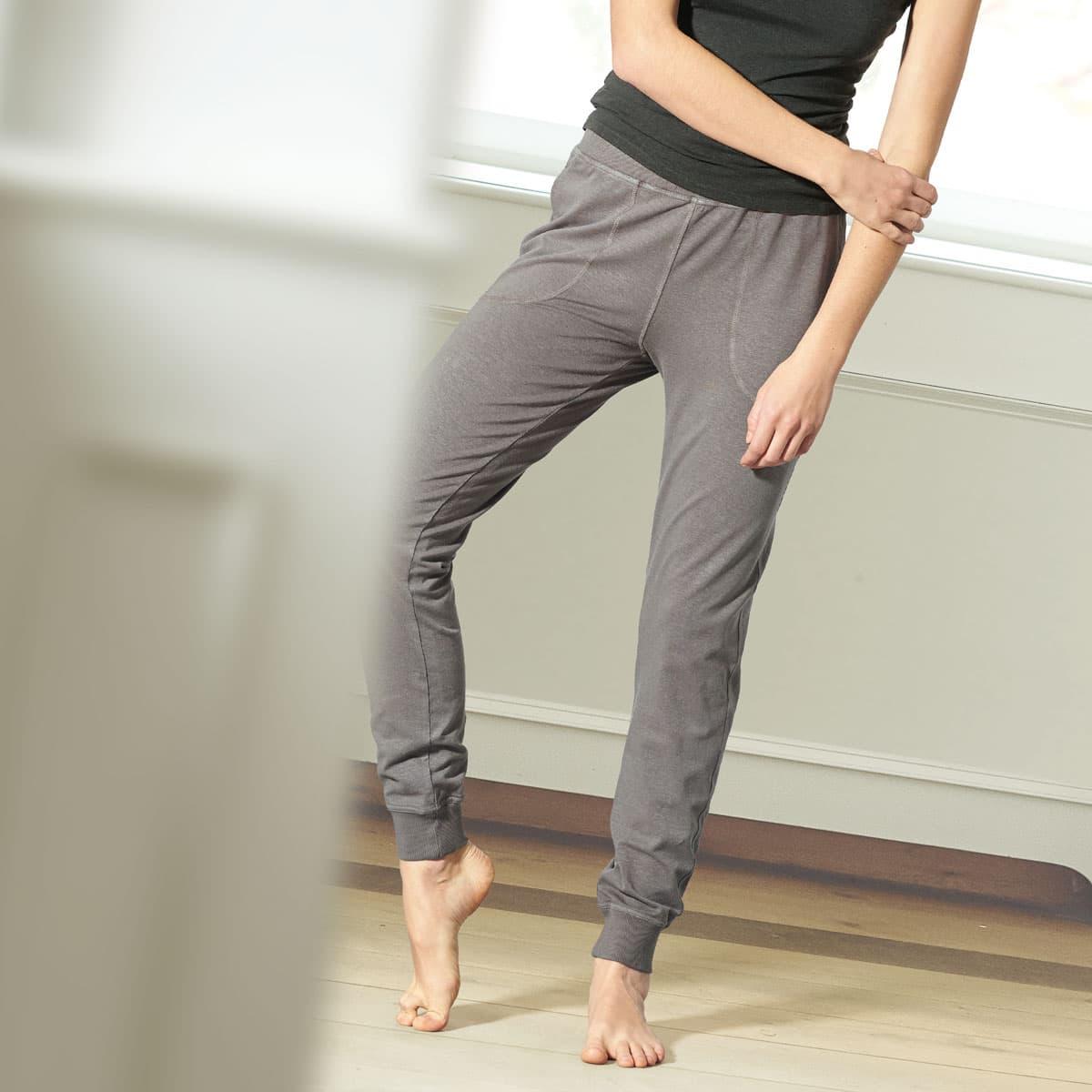 Pantalones yoga con bolsillos de cáñamo