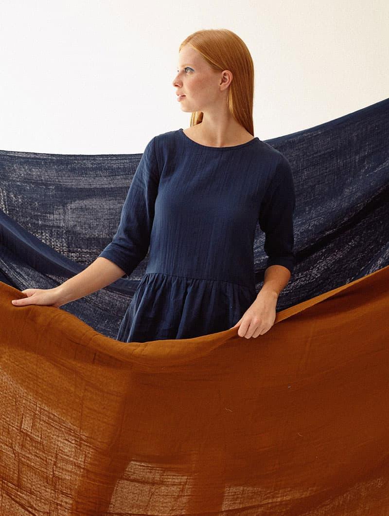 Vestido Tiralahilacha azul marino manga tres cuartos mujer