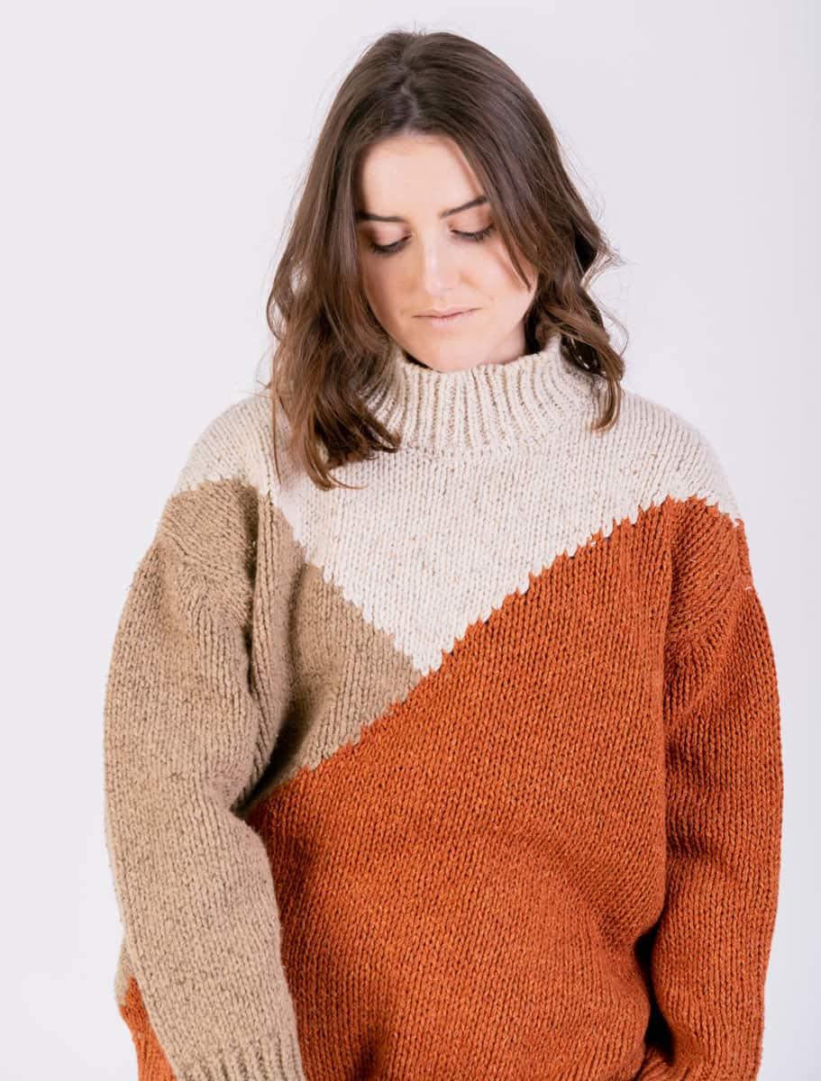 Jersey de lana reciclada naranja beige mujer