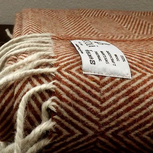 Manta de lana terracota