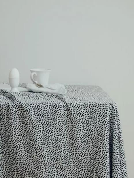 Mantel de tela de algodón orgánico con estampado lingon