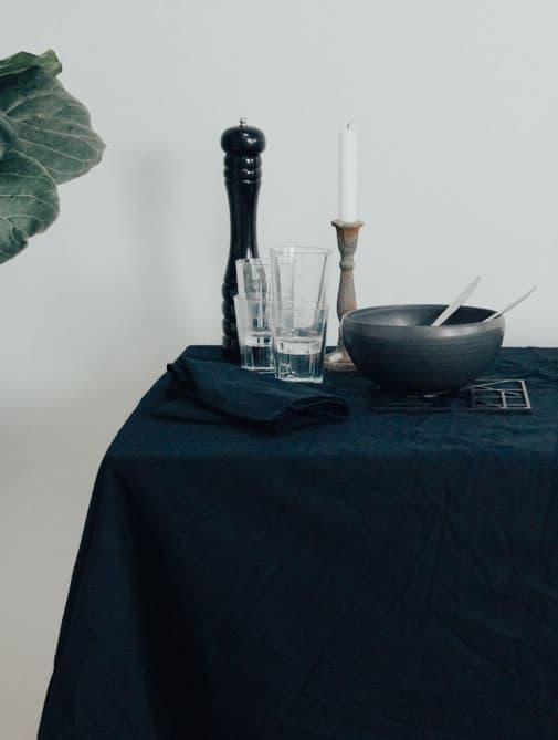 Mantel de tela negro de algodón orgánico