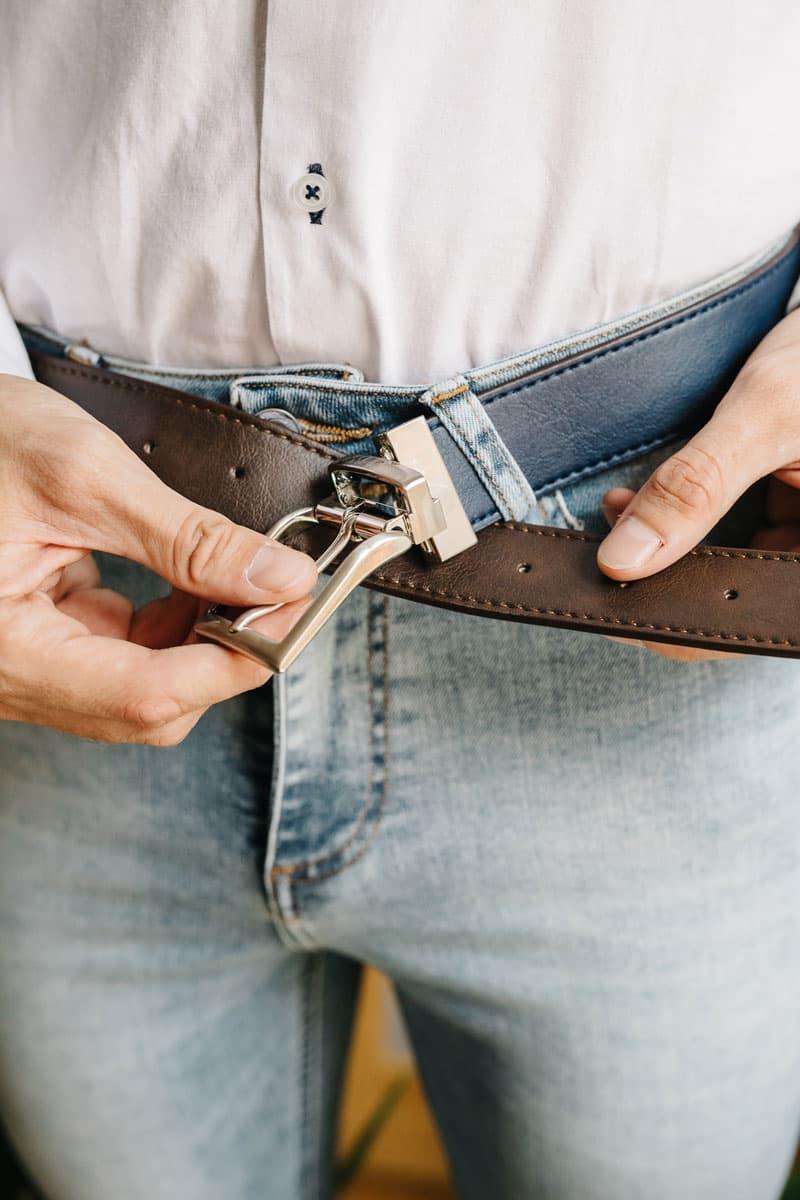 Cinturón reversible unisex marrón y azul