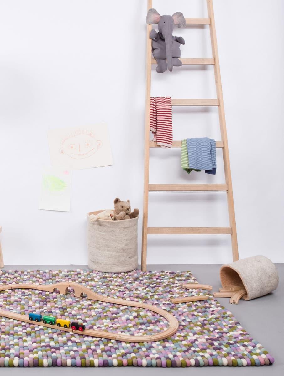 Alfombra colores rectangular en habitación niños