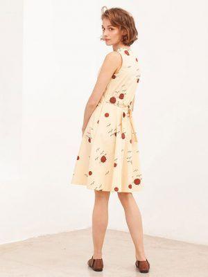 Espalda vestido algodón orgánico beige con cinturón