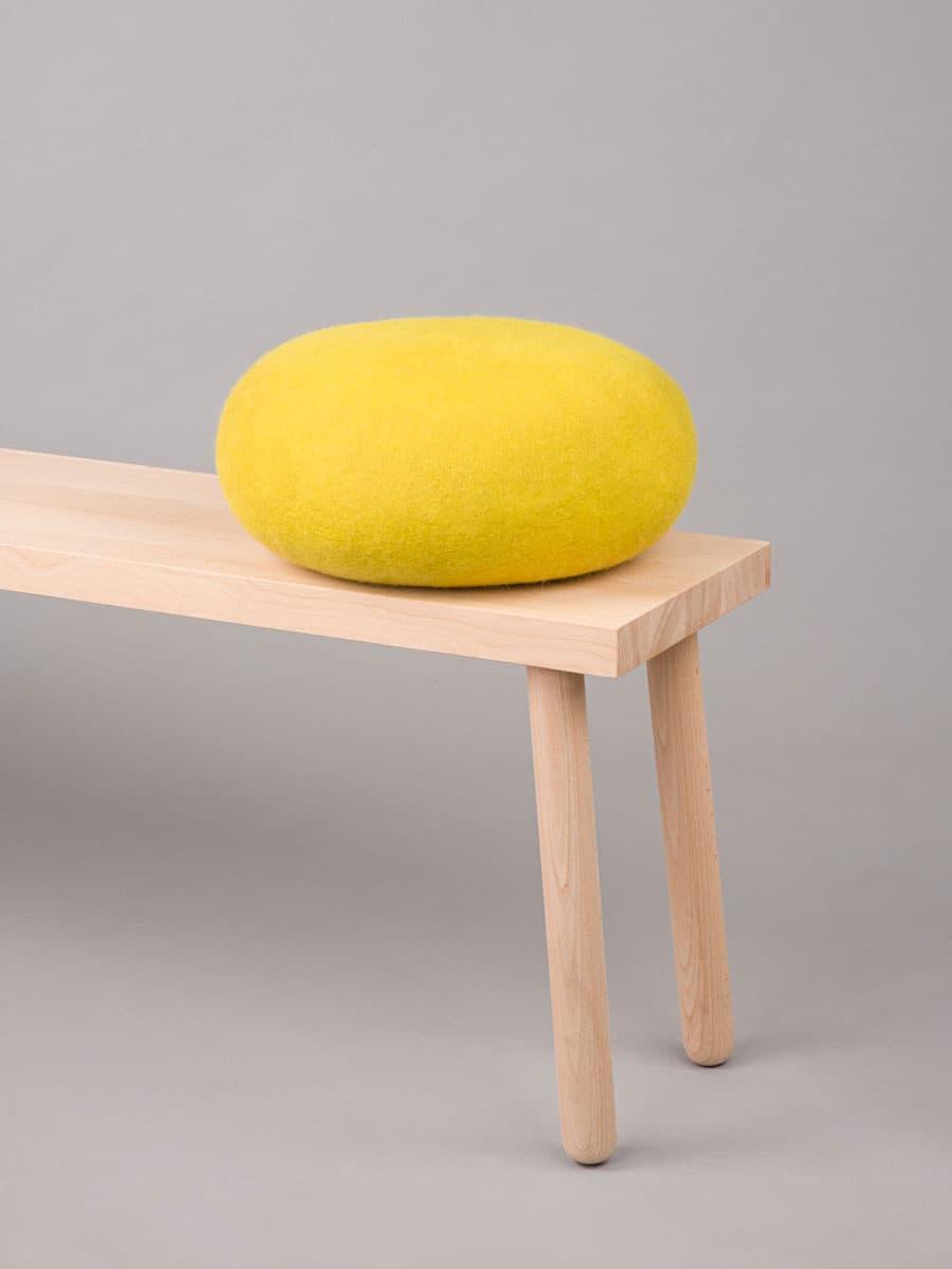 Puf de meditación color amarillo