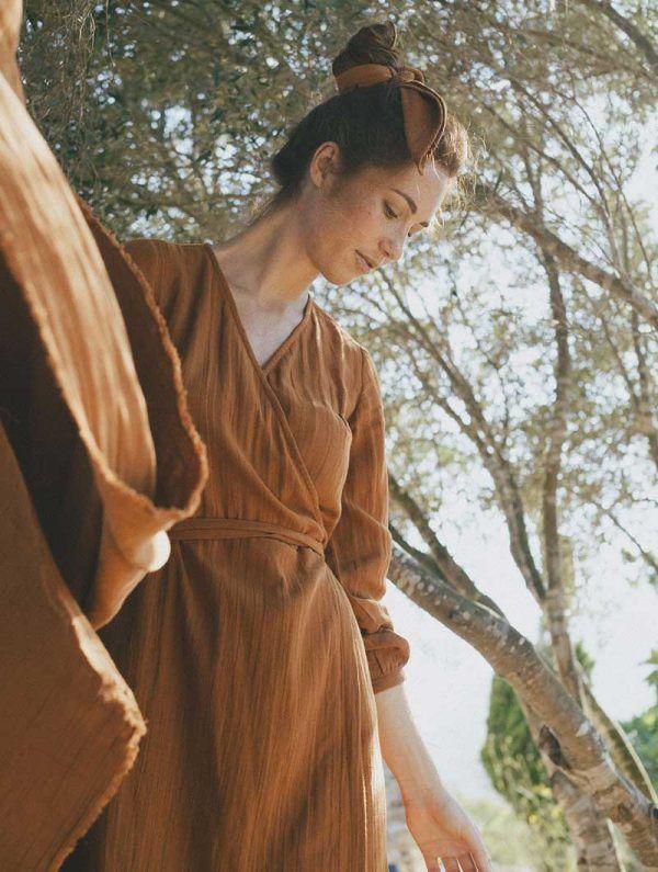 Vestido cruzado algodón orgánico teja tiralahilacha