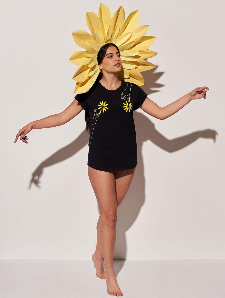 Camiseta ecológica negra mujer flor