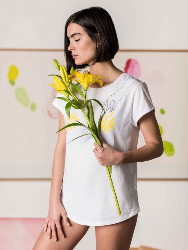 Camiseta flores mujer blanco algodón orgánico
