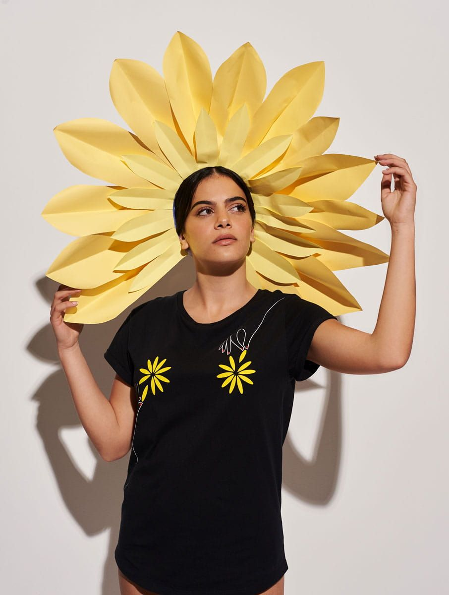Camiseta flores mujer negro algodón orgánico