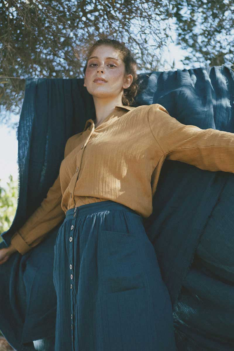 Falda con bolsillos de algodón orgánico azul