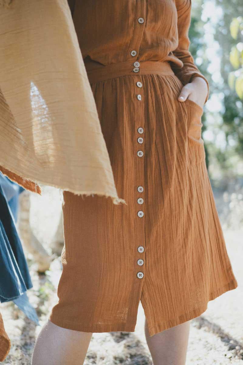 Falda con botones teja algodón ecológico