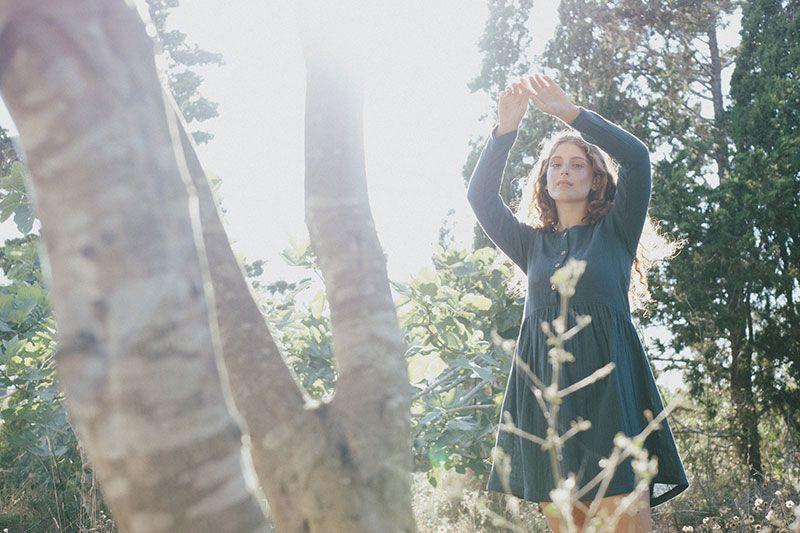Vestido corto holgado azul algodón orgánico mujer