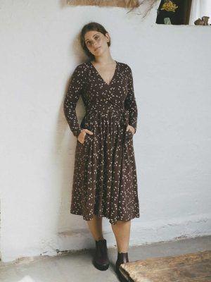 Vestido cruzado marrón de algodón orgánico ecológico