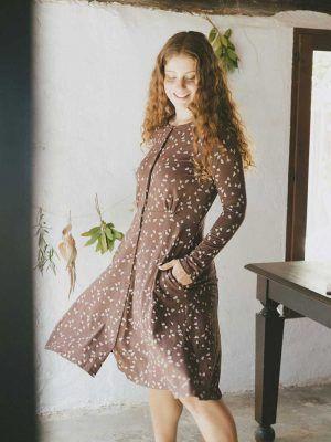 Vestido escote redondo marrón con bellotas ecológico