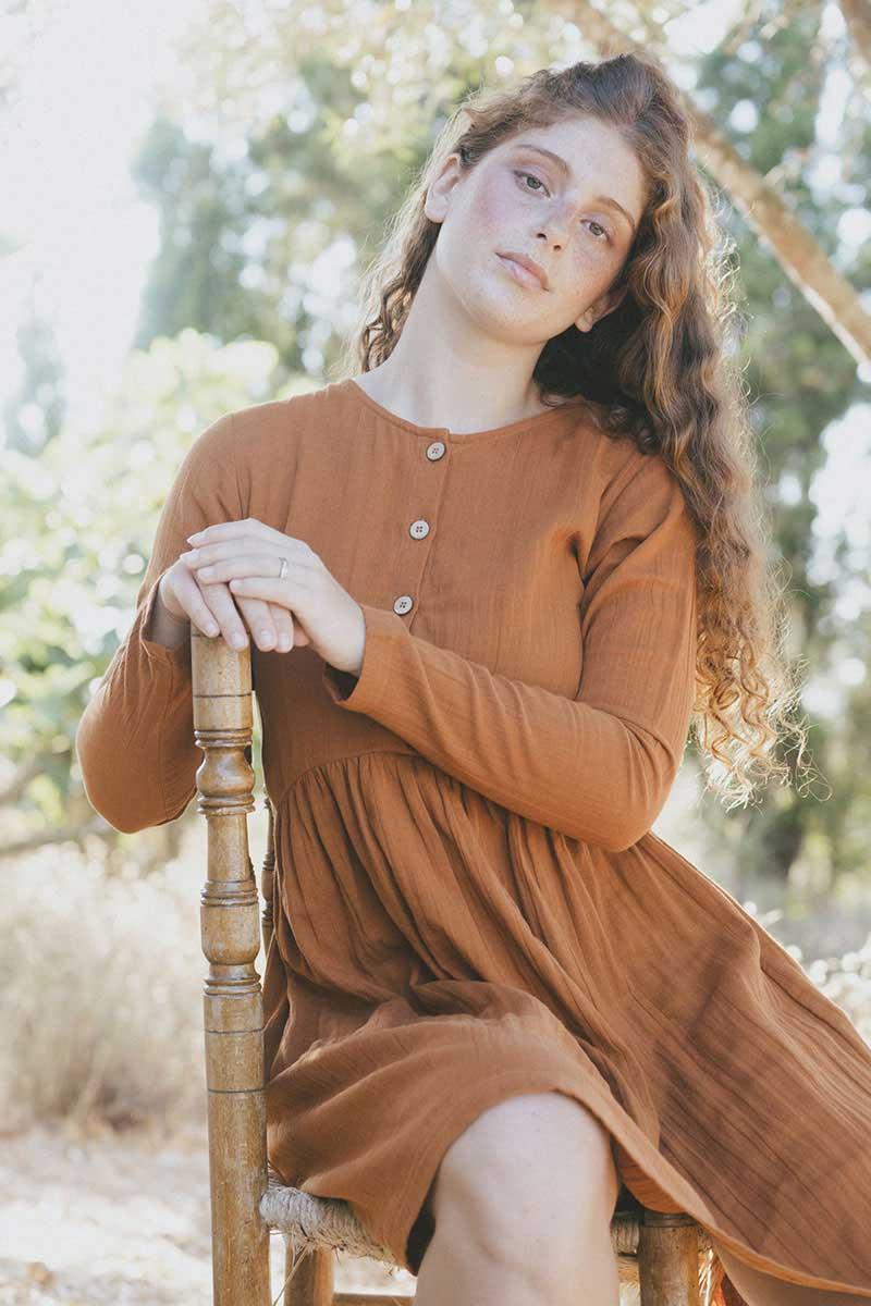 Vestido oversize corto color teja de algodón orgánico